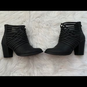 🔥30%OFF🔥Mossimo supply co black heels 7 1/2